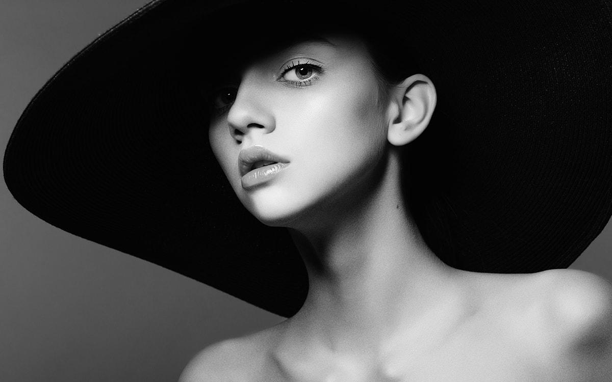 Black & white Model