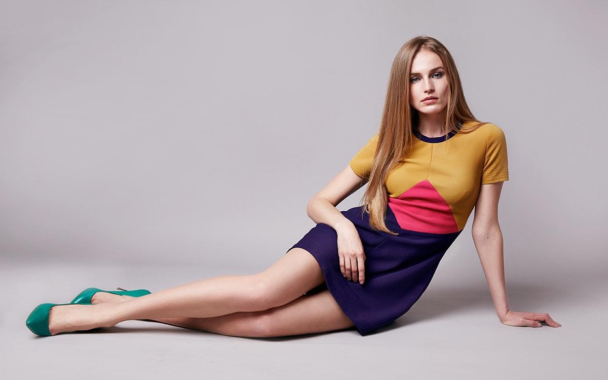 model-pastel-dress-photoshoot