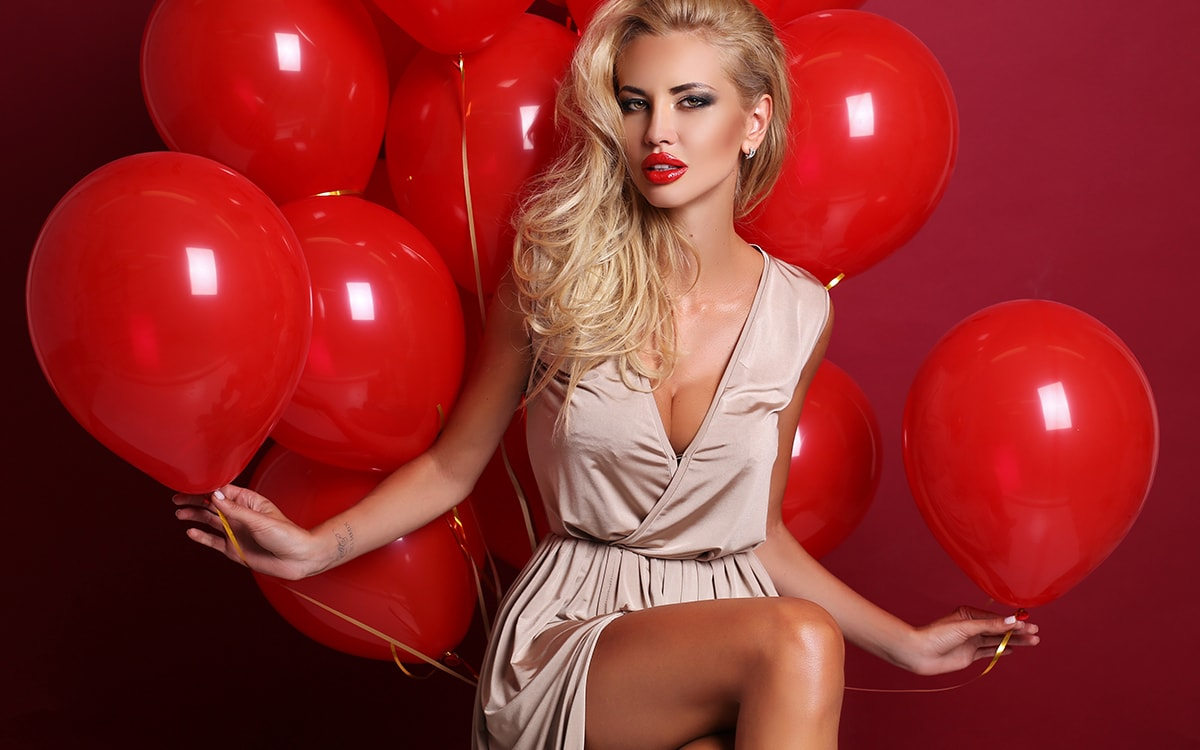 model-red-balloons-photograph